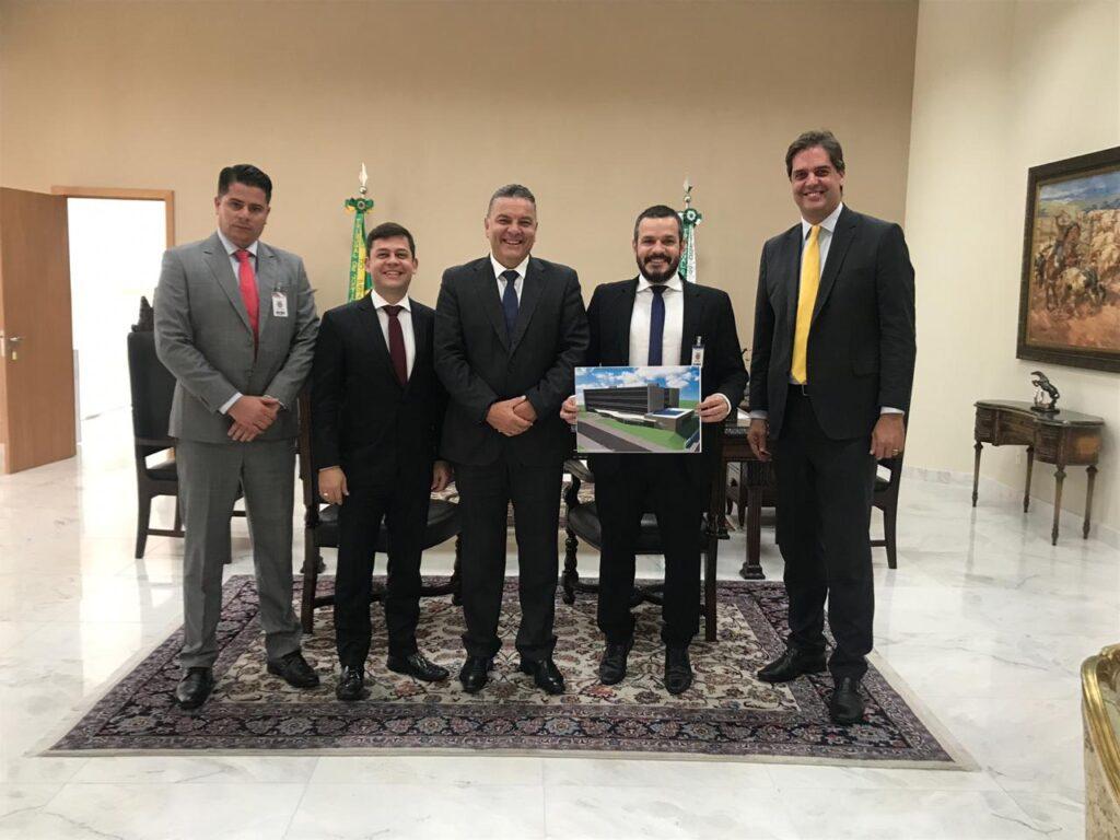 Presidente do Tribunal de Justiça confirma construção de novo Fórum em Paranavaí