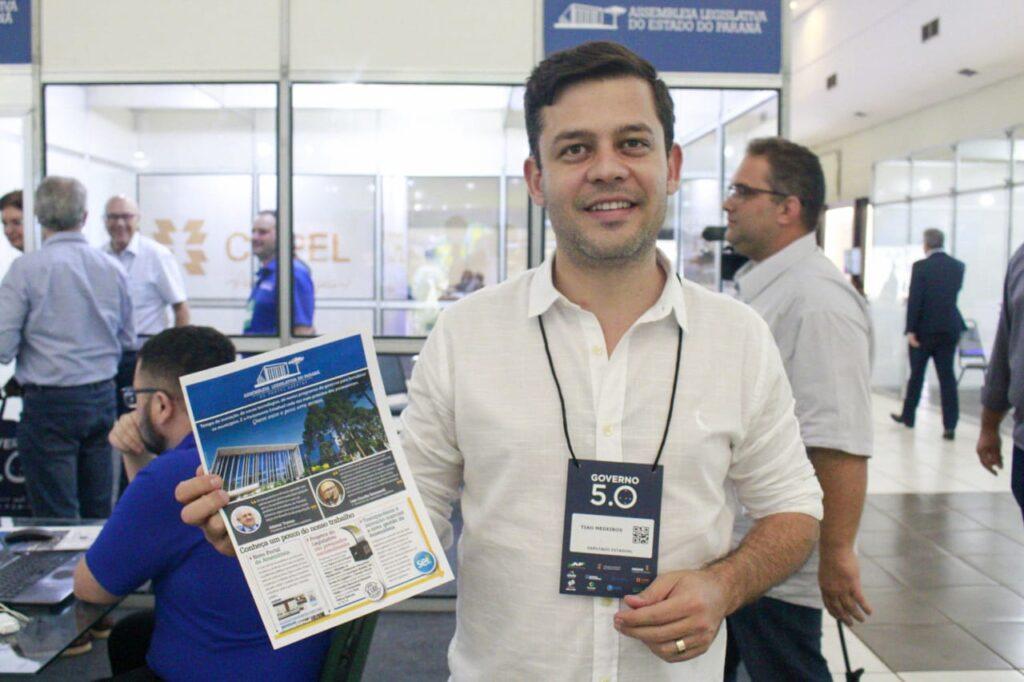 Tião Medeiros marca presença em evento em Foz do Iguaçu