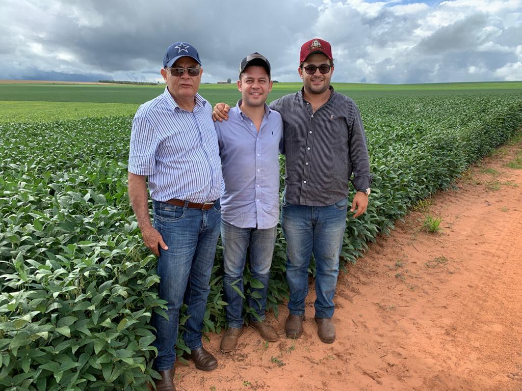 """Dia do agricultor: """"O Paraná é o maior produtor de grãos do país. Isso é possível graças aos produtores, às famílias que se dedicam a isso"""", avalia Tião Medeiros"""