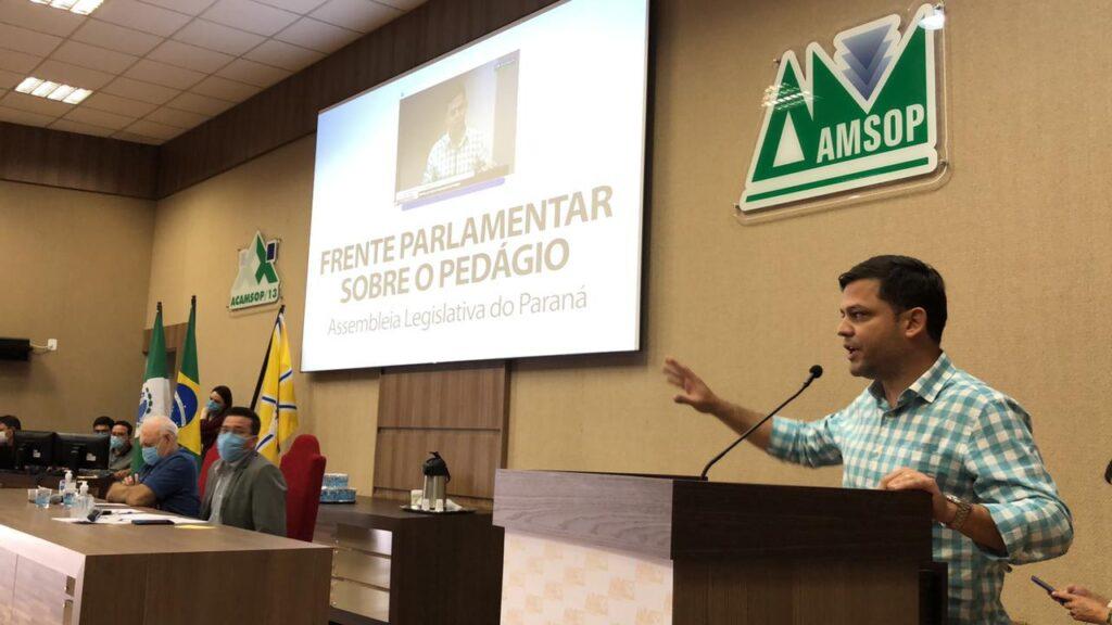 """""""O modelo de outorga e o degrau tarifário são pegadinhas que vão onerar o povo paranaense"""", alerta Tião Medeiros em audiência pública sobre o pedágio"""
